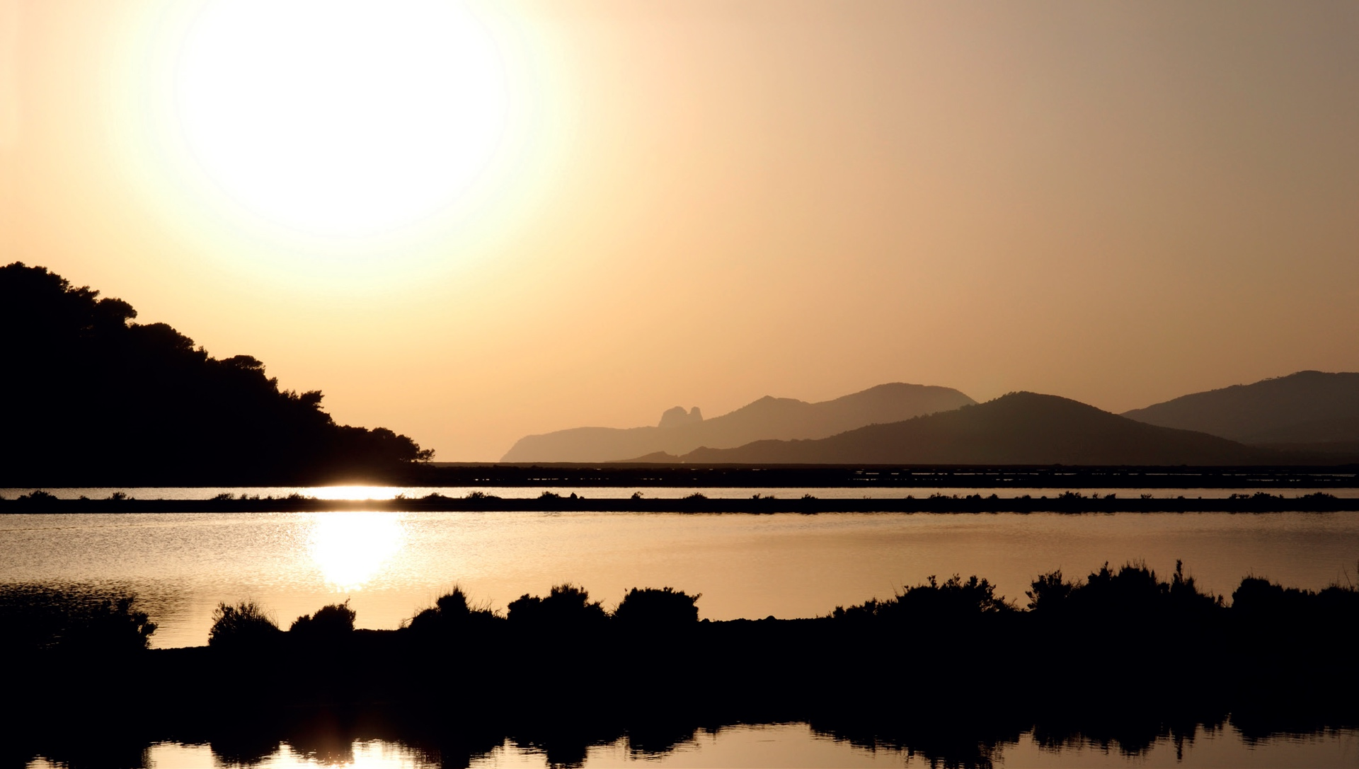 Die Salinenfelder auf Ibiza © Ralf Lotys