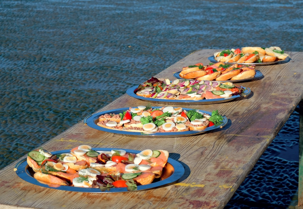 Wattfrühstück mit frischen Matjes und Krabben © Die Nordsee GmbH, Lutz Bormann