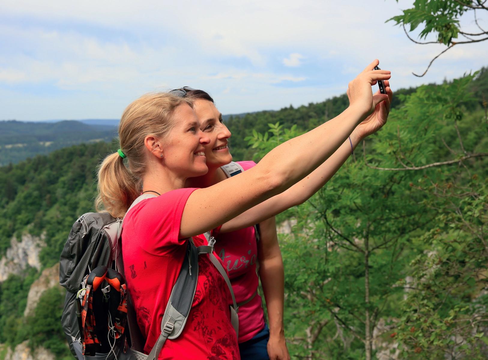 Antje und Frauke beim Selfie im Donaubergland © Michael Sänger