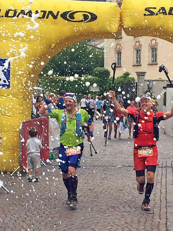 """Markus Franz ist Geschäftsführer vom FRANKENWALD TOURISMUS Service Center. Als Dipl. Sportökonom ist ihm Bewegung nicht fremd, aber erst seit etwa drei Jahren begeistert er sich für den Laufsport – vor allem abseits der Straßen. Durch akribisches Training hat er inzwischen auch einige Marathons absolviert und ist in die Ultratrails eingestiegen. Höhepunkt dabei war die erfolgreiche Teilnahme am 250 km langen """"Transalpine Run 2016"""" mit seinem Laufpartner Marcus Römer. © Markus Franz"""