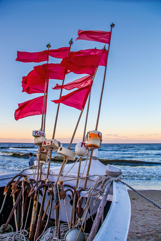 Fischerboot am Strand vor Koserow © www.insel-fotograf.eu, Andreas Dumke