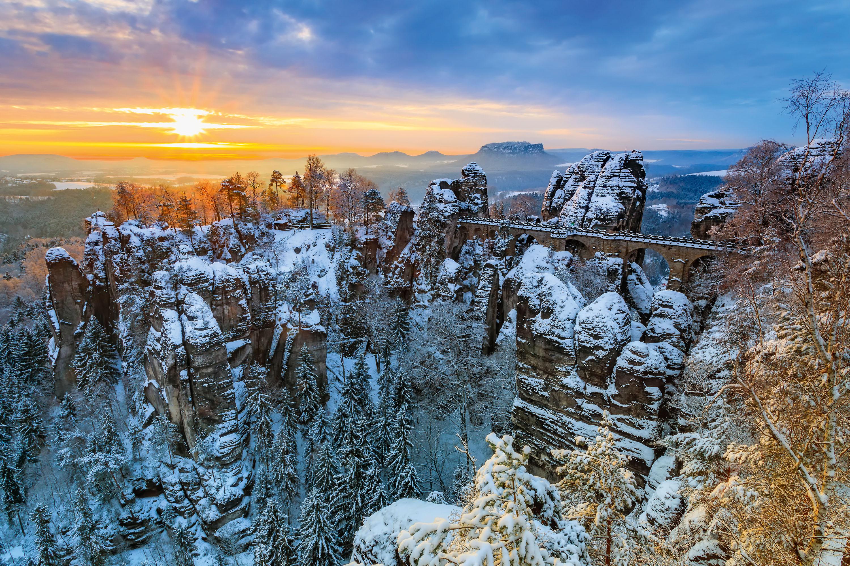 Die berühmte Bastei im Winterkleid © TVB Sächsische Schweiz, Daniela Beyer