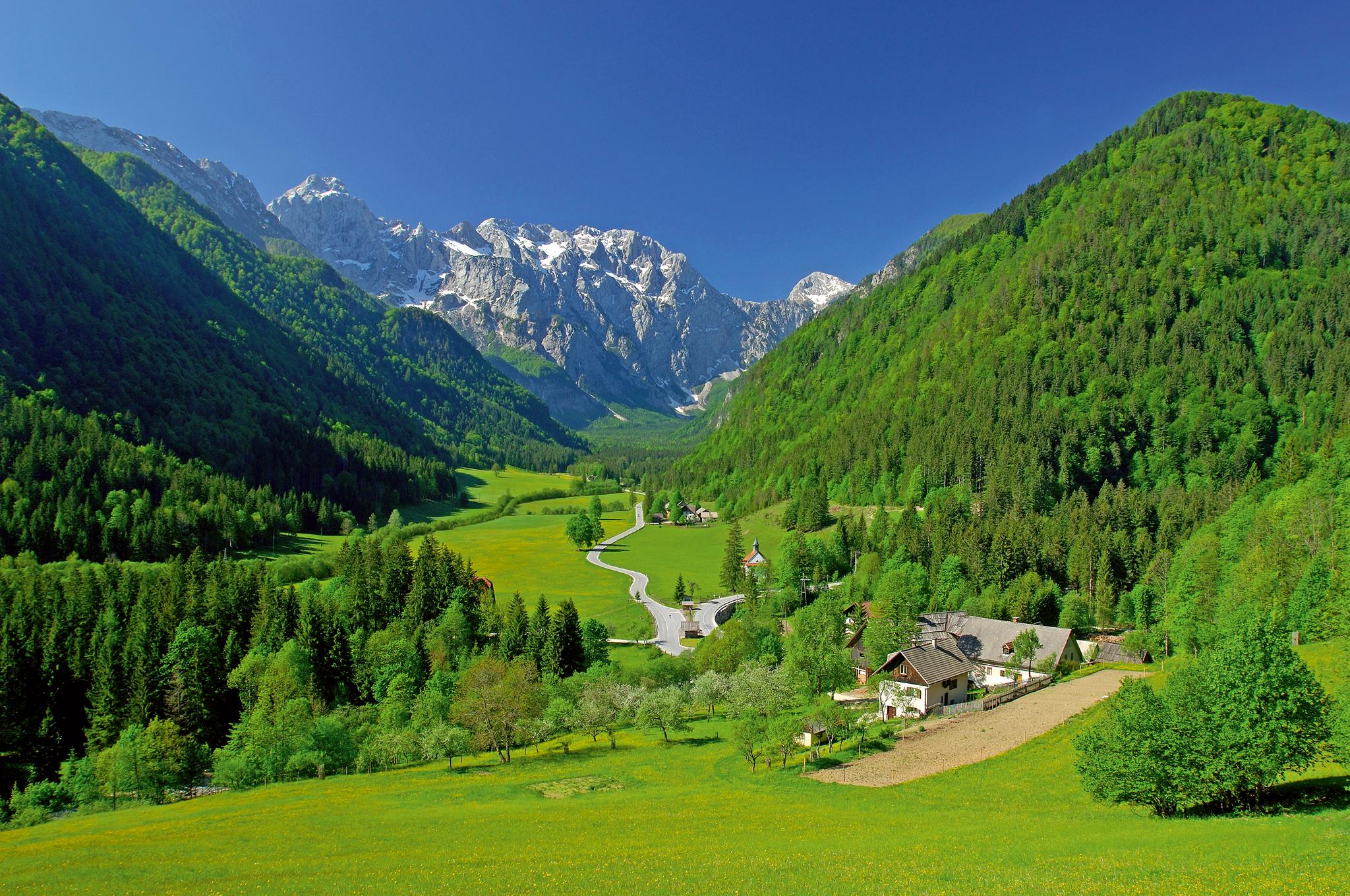 Das Logartal zählt zu den schönsten Landschaften Sloweniens und steht unter strengem Schutz. © Hotel Plesnik, Tomo Jesenicnik