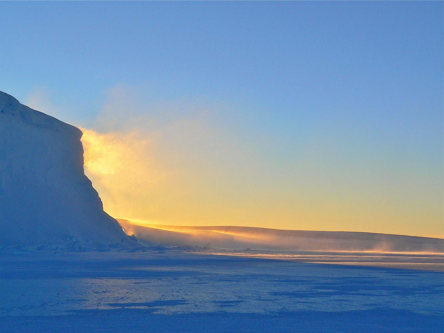 Romantische Schönheit oder eiskalte Bedrohung? Wie wir eine Winterlandschaft wahrnehmen, ist eine Frage der Zeit, des Ortes und auch der Gemütslage © xphere.com