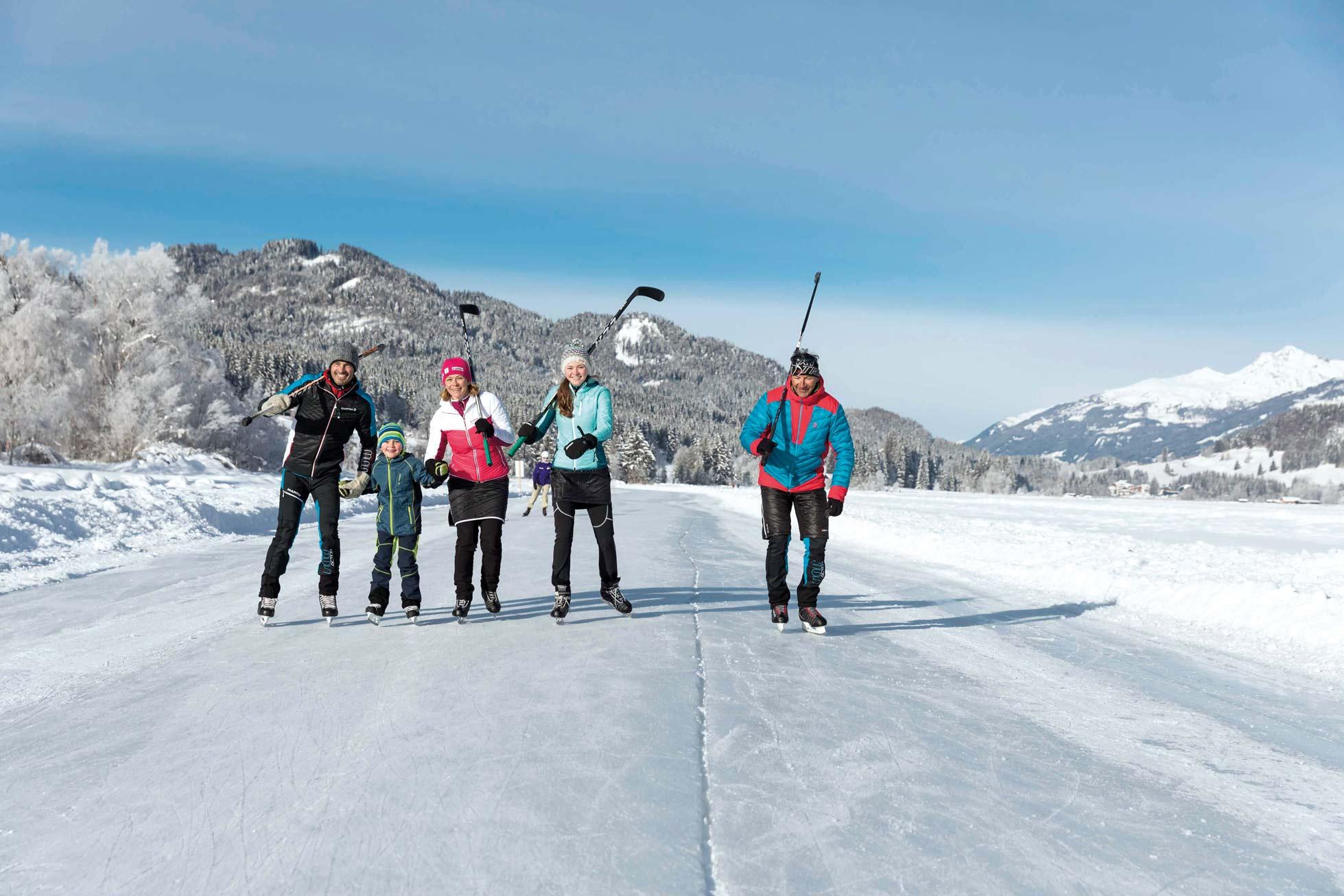Komm, lasst uns Eishockey spielen…  © Weissensee_©tinefoto.com
