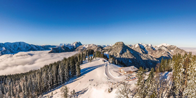 Fernsicht bei klarer Winterluft: das Panorama auf dem Unternberg © Ruhpolding Tourismus GmbH, Andreas Plenk