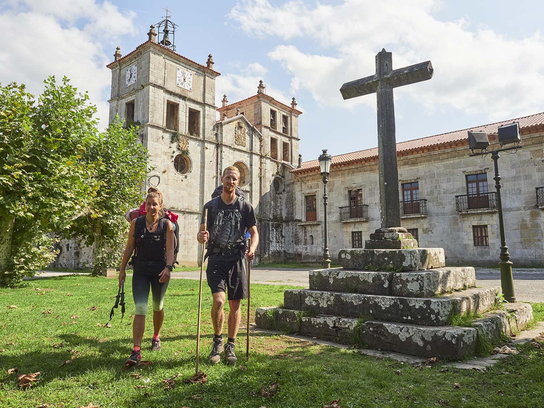 Der Jakobsweg führt zu kulturellen Schätzen wie dem Kloster San Salvador de Cornellana © Juan de Tury