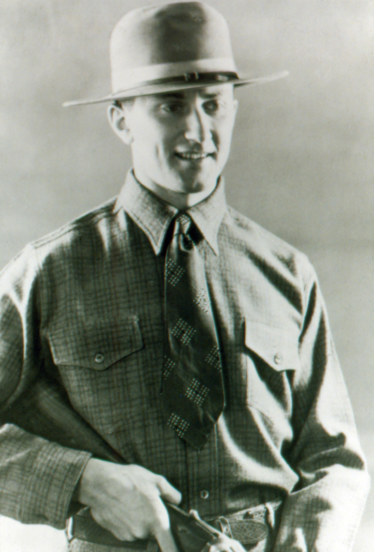 Eddie Bauer 1926 © Eddie Bauer Inc.