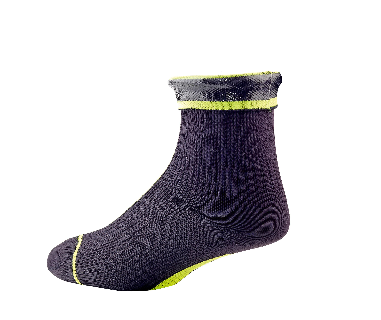 Sealskinz Road Ankle Hydrostop Dicht! Wem ein Überschuh zu kompliziert ist oder wer damit länger laufen müsste, greift besser zum Socken. Wird wie ein normaler Socken angezogen und fühlt sich dank Merinowolle im Inneren auch so an. Trotzdem 100% wasserdicht dank Stretchdry- Membran und Hydrostop gegen hereinlaufende Nässe. 47,95 Euro
